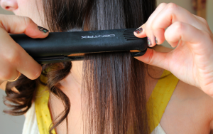 5 Best flat iron techniques to curl short hair