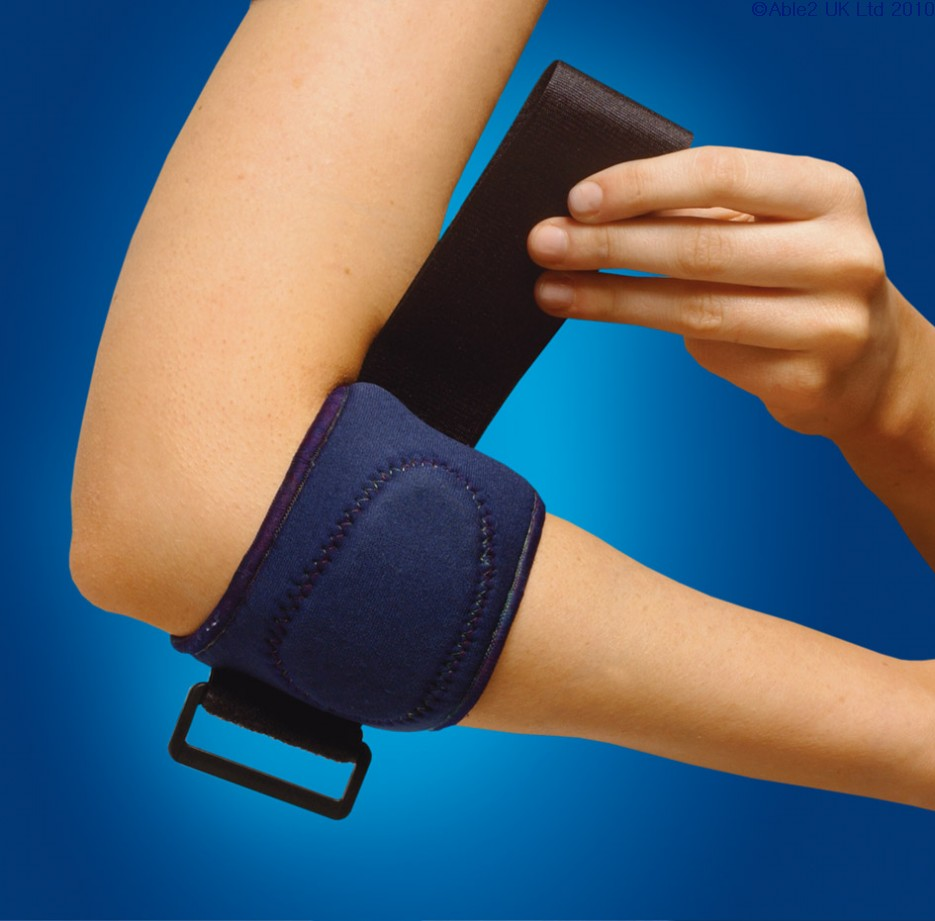 How to wear a tennis elbow brace?